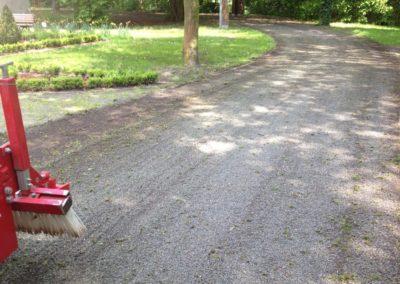 Schlosspark mit federzinkenegalisator voss (1)