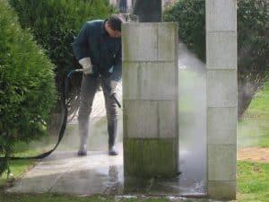 thermische Unkrautbeseitigung mit HeißwasserSchaum